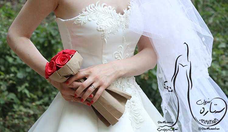 لباس عروس دکلته با دامن زاکپوزن